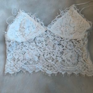 Nwt express off white cropped lace cami sz L/10